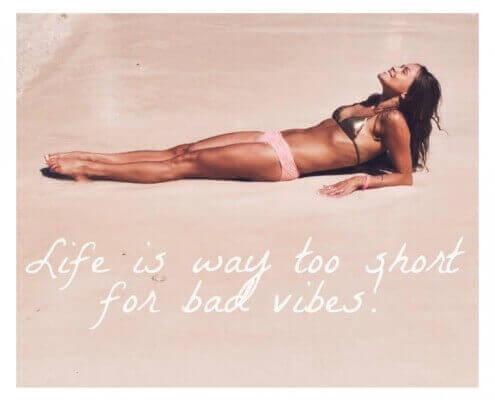 Livet er for kort til bad vibes | KarolinaKaersner.com