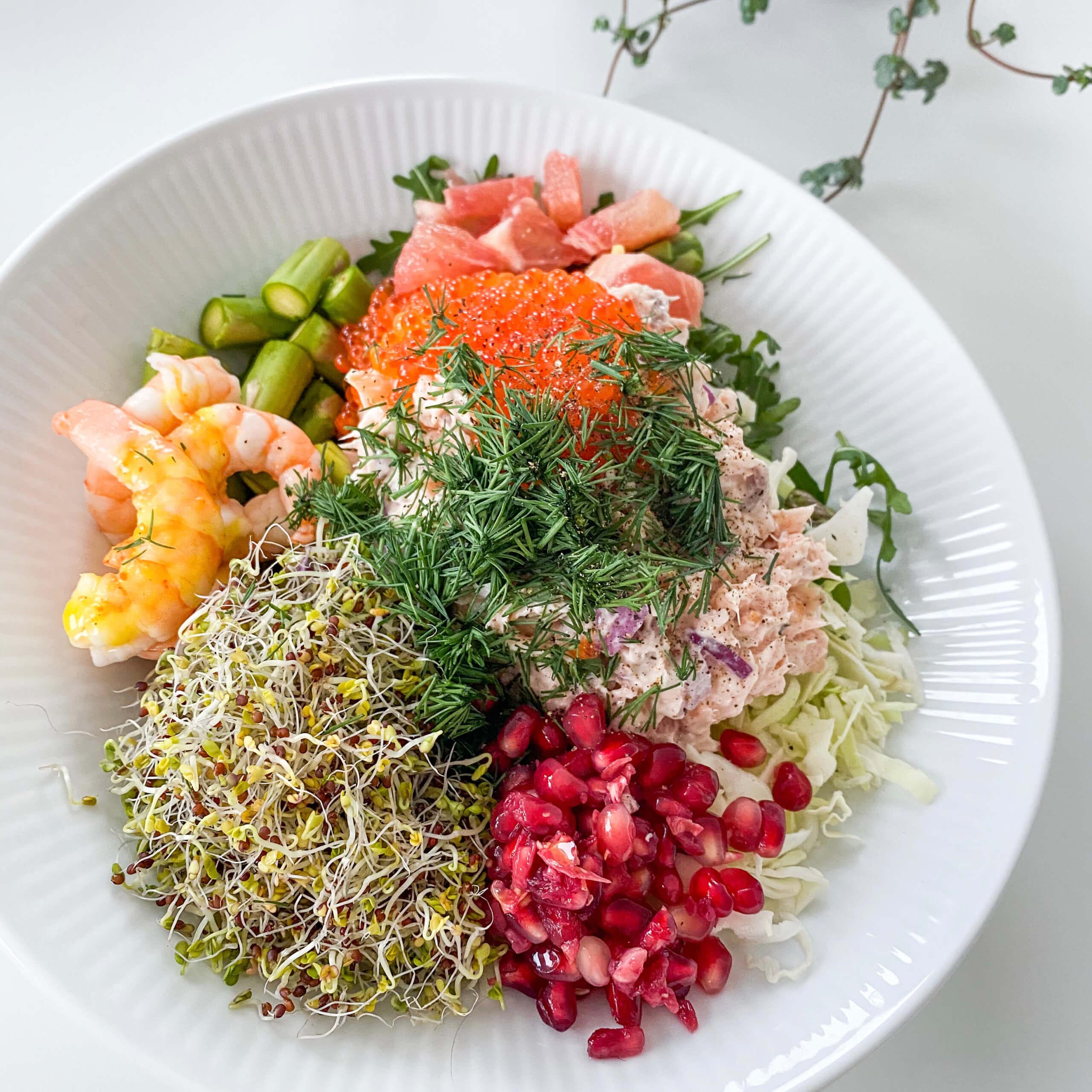 Opskrift | Salat med laks og rejer